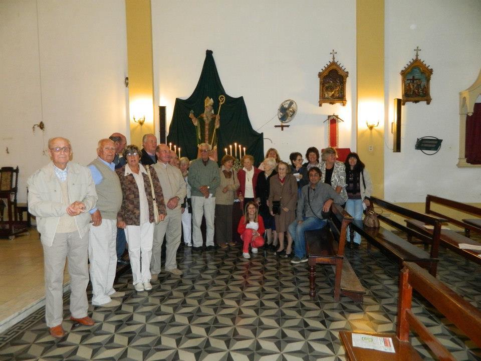 Descendientes de irlandeses luego de la Misa por San Patricio en su día.