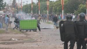 La policía sofocó una ola de saqueos en el Gran Rosario.