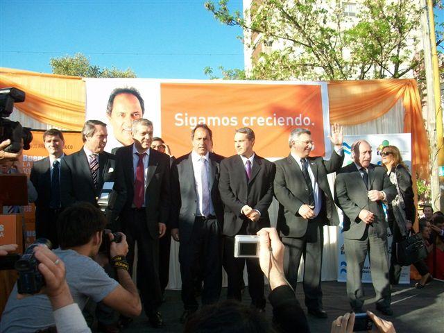 Casal, Domínguez, Scioli, Golía, Barrientos y Pampuro.