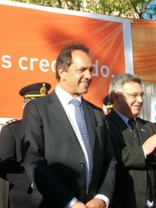 Scioli y Barrientos en Chacabuco.