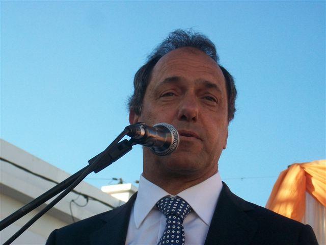 Scioli instó a los chacabuquenses a confiar su voto en el proyecto del Kirchnerismo.