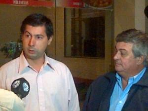 El Concejal del frente Renovador Hugo Moro junto  al intendente de Mercedes Carlos Selva en Chacabuco.