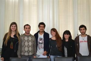 Entrega de un subsidio al Centro de Estudiantes de Chacabuco en La Plata.