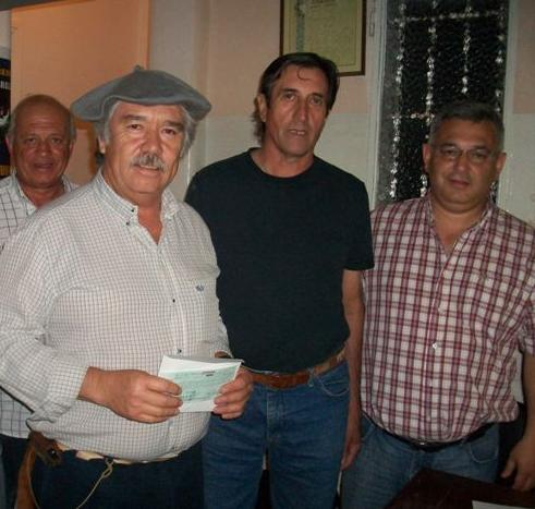 El Centro Tradicionalista El Ceibo en la entrega de subsidios. El suyo por 20 mil pesos.