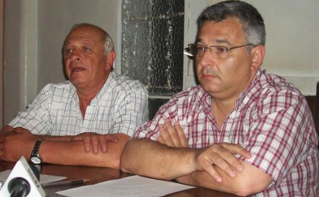 Mucucci y Barrientos en la entrega de subsidios.
