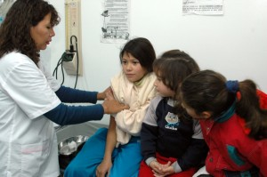 Vacunar a los chicos que comienzan la primaria.