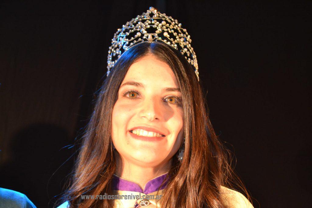 Micaela Ventoza, de 25 años de edad, oriunda de 25 de Mayo, que representaba al Club Defensores de Rawson, Reina de la XXXVI Fiesta Provincial de la Primavera en Rawson