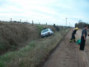 Otra imagen del Fiat 147 Spazio accidentado.