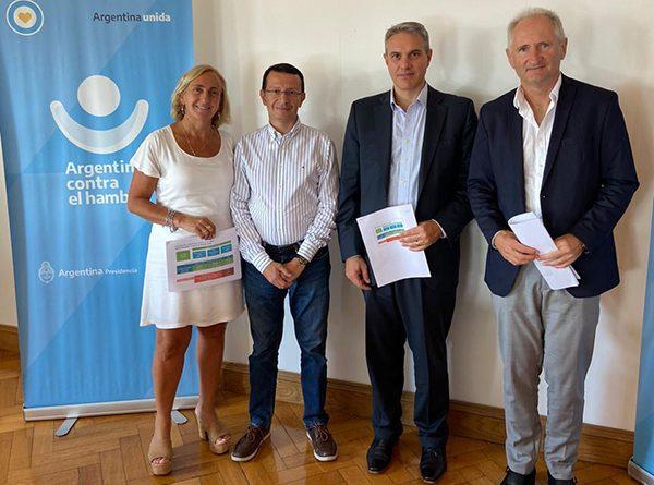 Golía, junto a Sandra Mayol y Fernando Carballo