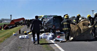 Dos muertos en un cuádruple choque ocurrido en Ruta 5