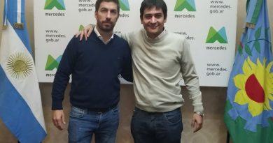 Carnaghi visitó la ciudad de Mercedes para reunirse con el Intendente Juan Ignacio Ustarroz.