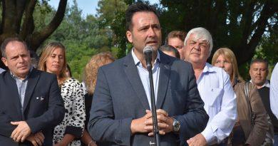 Autoridades en el acto protocolar por el 134º Aniversario de Castilla