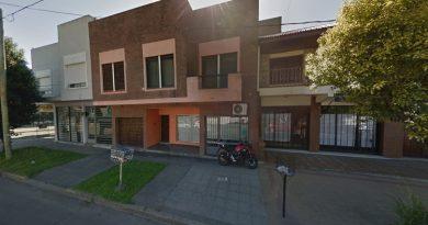 Frente del consultorio del falso odontólogo, ubicado en City Bell, Buenos Aires