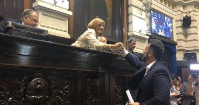 Aiola recibió el diploma de intendente electo