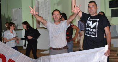 Gómez en el festejo por el triunfo de Aiola