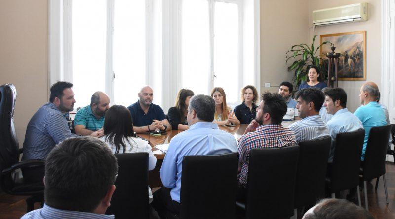 Flamantes funcionarios en reunión de gabinete