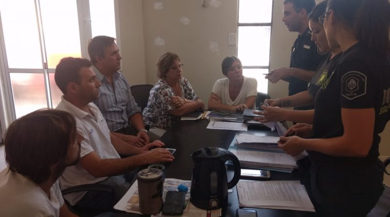 Funcionarios de Chacabuco reunidos con Bomberos de Junín por habilitaciones