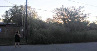 Terreno baldio en calle Gutierrez, entre M.Gil y 12 de Febrero de Chacabuco, cuya limpieza se solicitó en Diciembre bajo Resolucion 3789/18