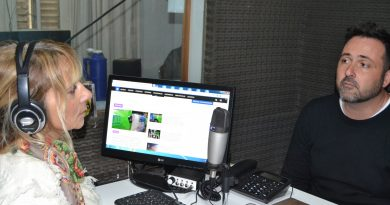 Aiola en la radio de Rawson