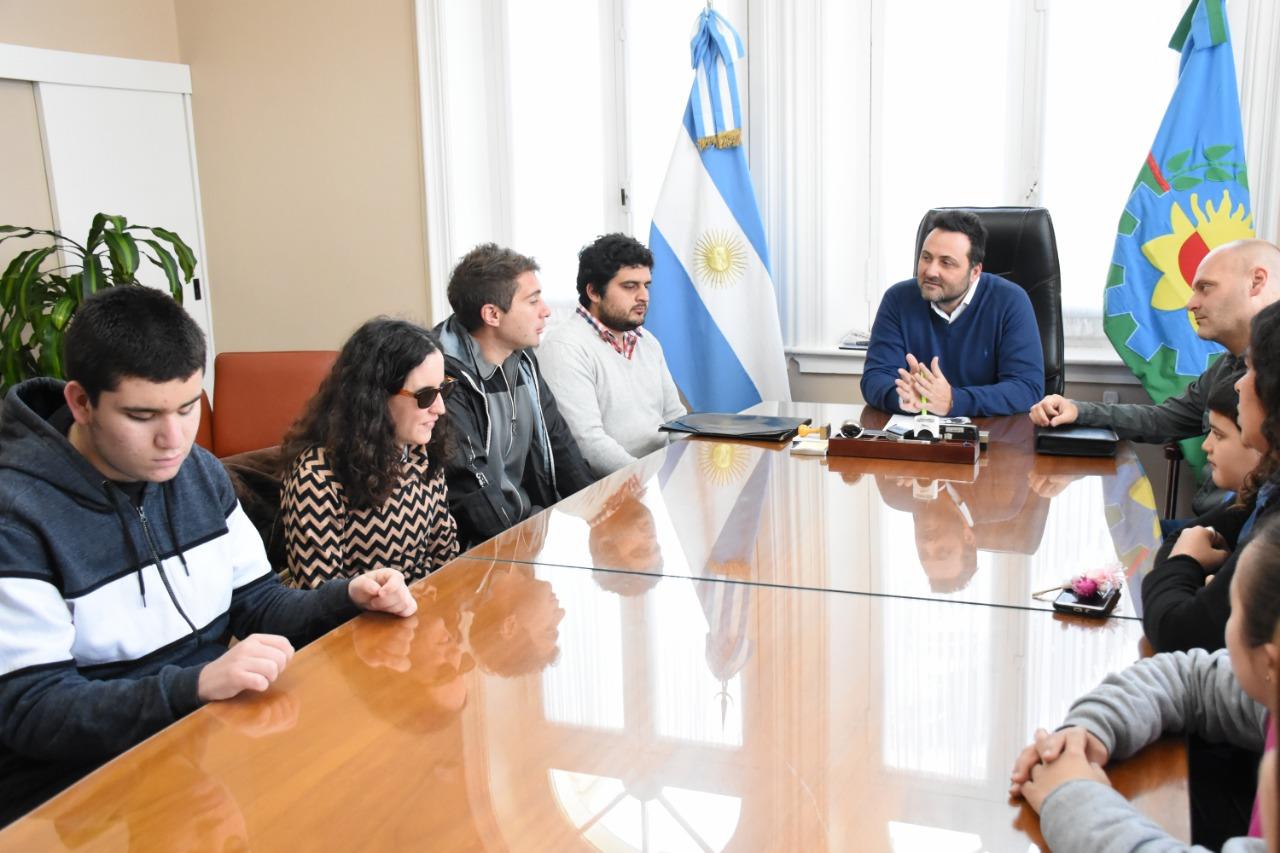 Aiola, recibió a los chicos que integran los diferentes talleres de ALPI Asociación Civil.
