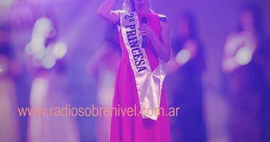 Brighitte Quintana tras ser consagrada 2º Princesa en la Fiesta de la Empanada