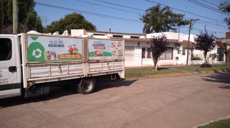 """Retiran residuos en Rawson de las campanas del programa municipal """"Puntos Verdes"""""""
