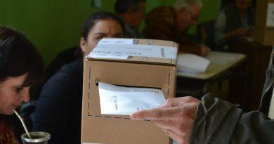 Cobertura especial de la Radio de Rawson de las elecciones Primarias, Abiertas, Simultáneas y Obligatorias (PASO).