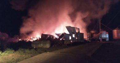 Incendio destruyó una aceitera en Rivas