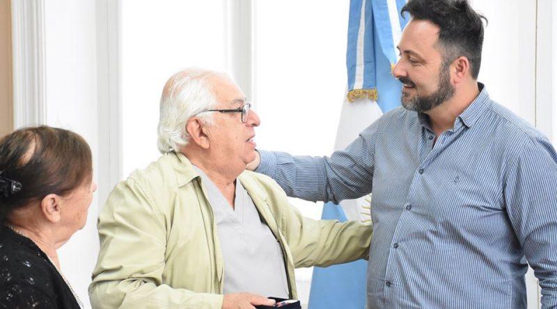 Aiola junto al Dr. Antonio Puppio