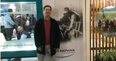 Nicolás Imizcoz y toda su elgancia tras recibir reconocimiento el la Rural de Palermo