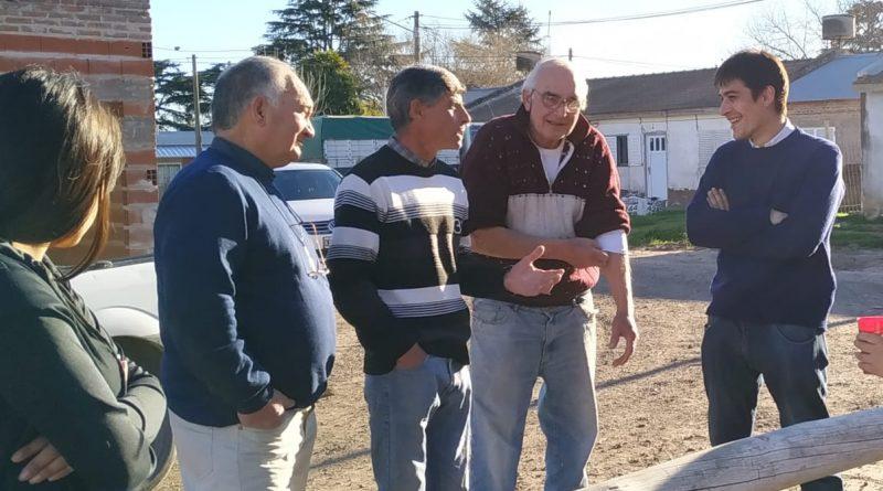 Martín Carnaghi en el Barrio Parque Azul y Bomberos.