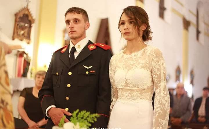 Rodrigo y Lucrecia durante la ceremonia religiosa