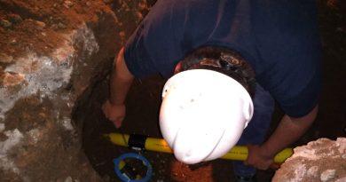 Fusionaron caño de gas roto por retroexcavadora