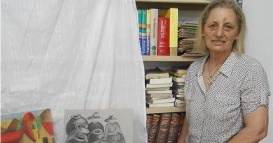 Susana Talento, miembro de la comisión de la biblioteca local